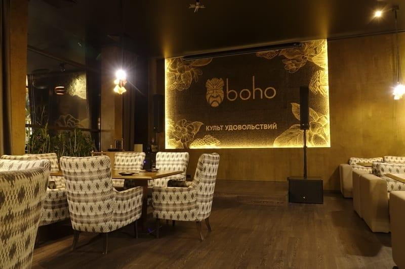 Аэрография золотом в ресторане BOHO