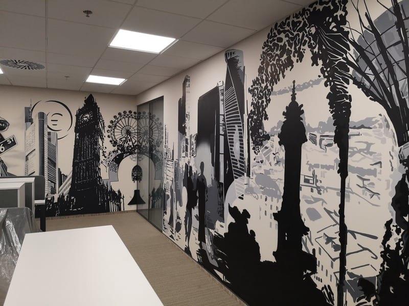 Оформление стен в офисе Епицентра