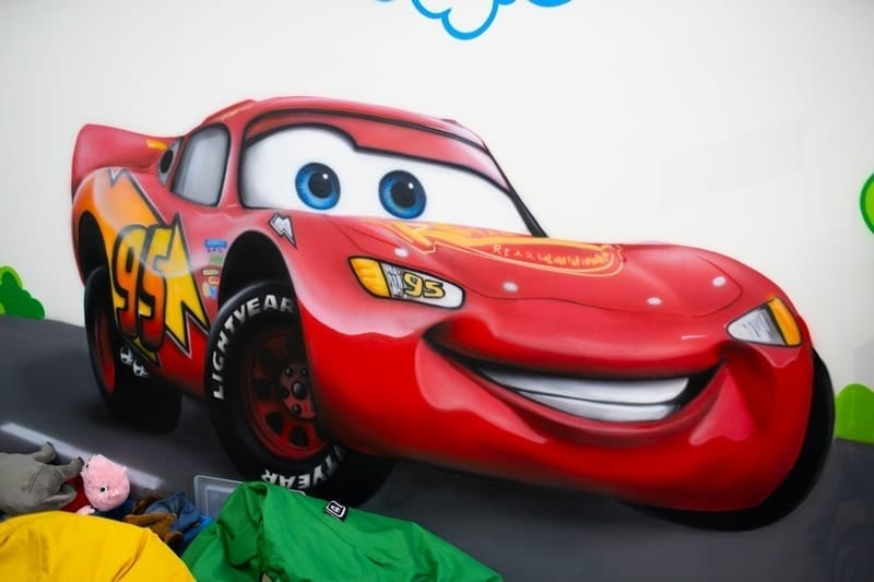 Painting the children's room at the Renault car showroom