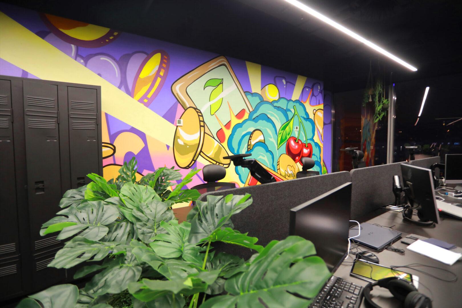 Художественное оформление офиса IT компании (часть 2) UT-ART STUDIO казино